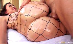 Mandy Muse – Big Wet Butts – Brazzers (6 gifs)